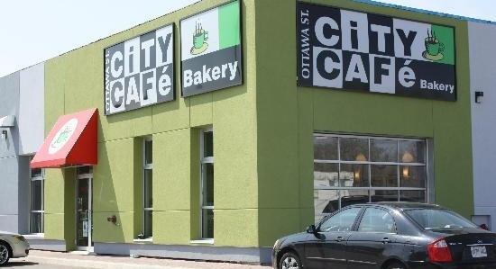 来来餐厅、city cafe 及停车场投资转让 电话 519.573.8688